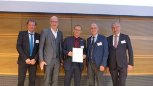 Foto zeigt Prof. Jürgen Stember, Dr. Thomas Robbers, Dirk Schwindenhammer, Bert Spilles und Ralf Meurer